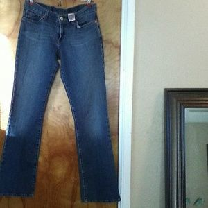Lucky Brand Mid Rise Flare Jeans size 4/27